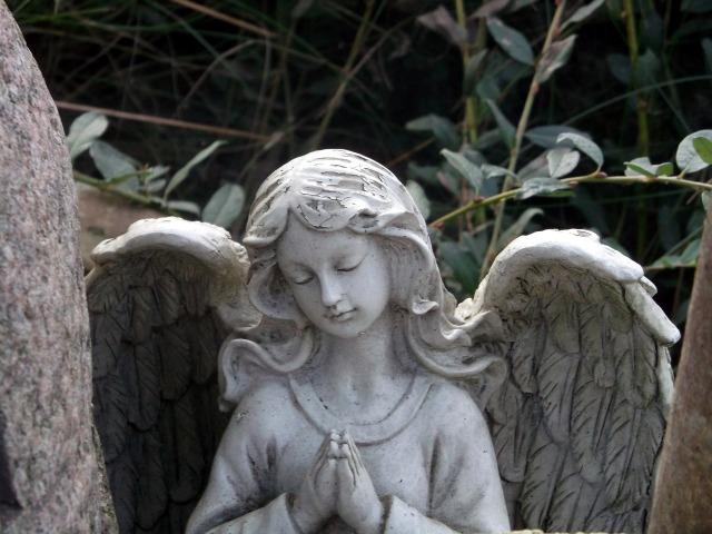 angel-1262844_1920