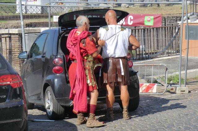 Ciudadanos de Santa Cruz de Tenerife ensayando para el próximo rodaje.